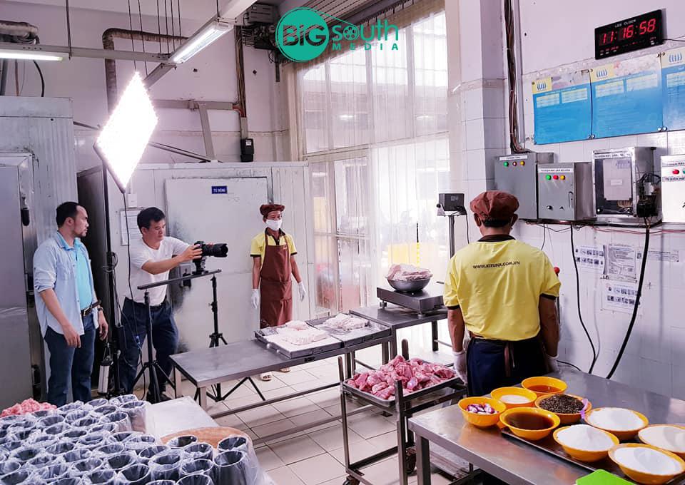 Quay phim giới thiệu công ty cung cấp suất ăn công nghiệ Hoa Mai 3