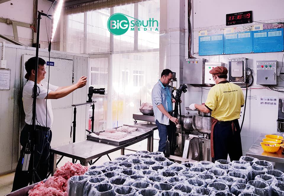 Quay phim giới thiệu công ty cung cấp suất ăn công nghiệ Hoa Mai 6