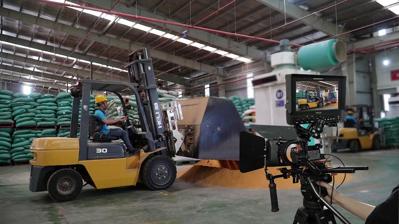 Cảnh quay khu vực sản xuất