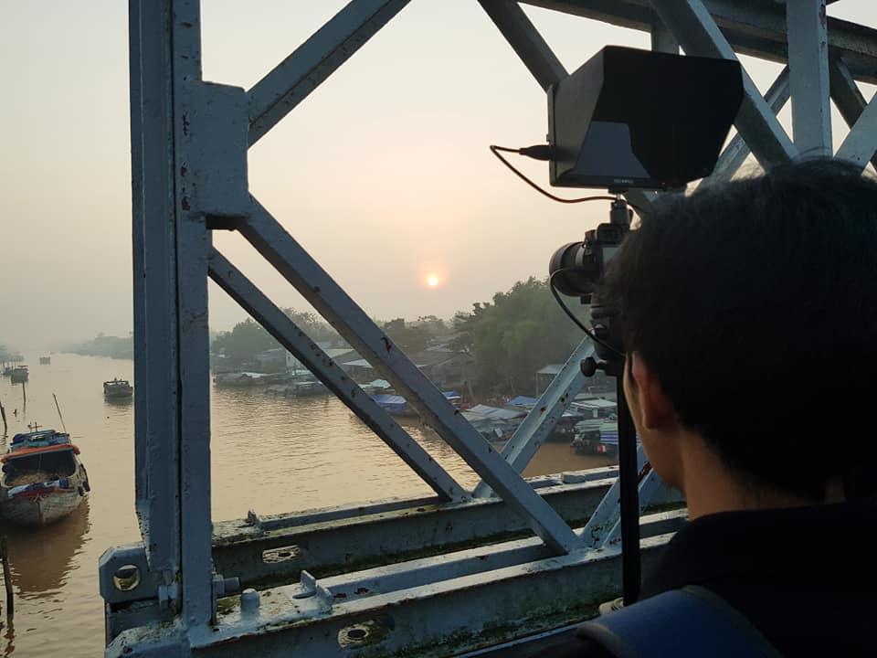 Team Bigsouth đang quay cảnh mặt trời mọc